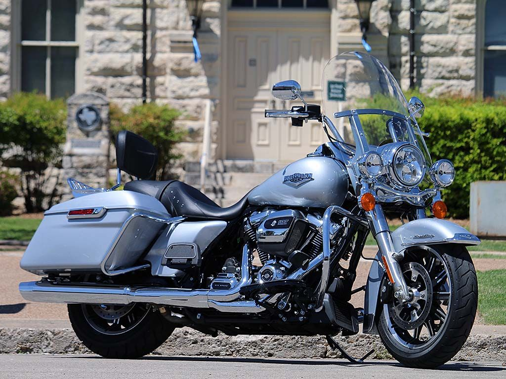 Excellent 2019 Harley Davidson Road King Review On Countersteer Alphanode Cool Chair Designs And Ideas Alphanodeonline