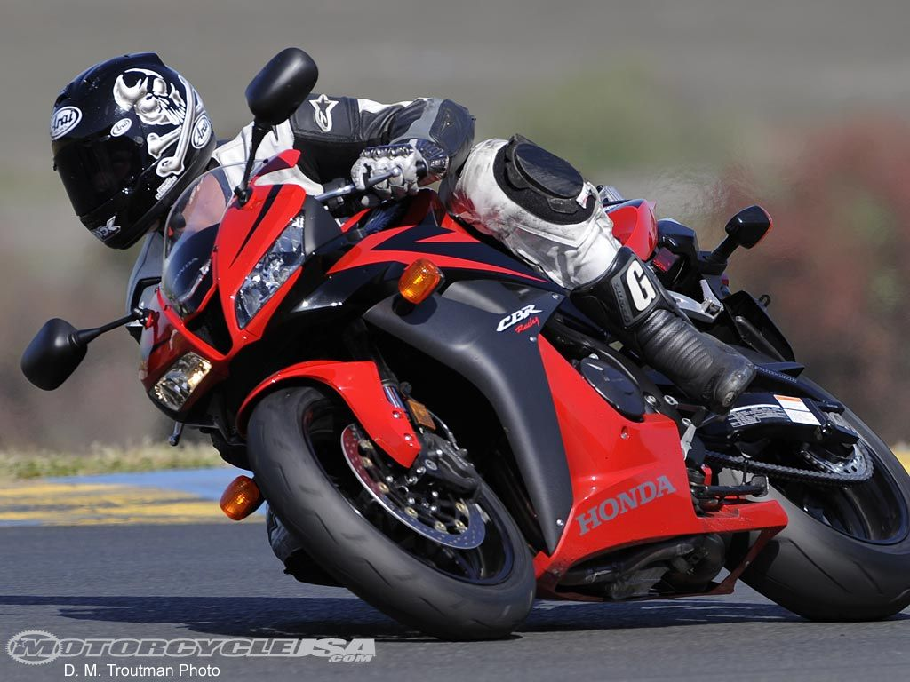 2008 Honda CBR600RR Comparison on Countersteer