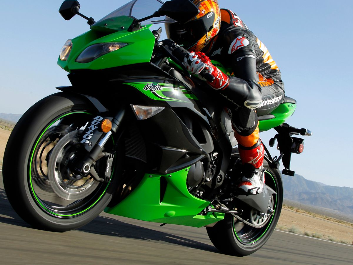 2011 Kawasaki ZX-6R Buyer's Guide on Countersteer