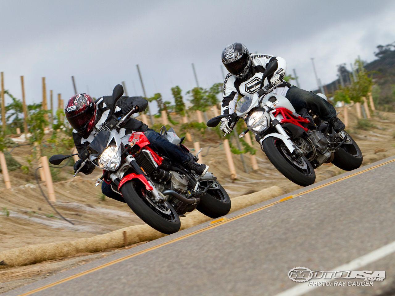 2011 Aprilia Shiver 750 vs Ducati Monster 796