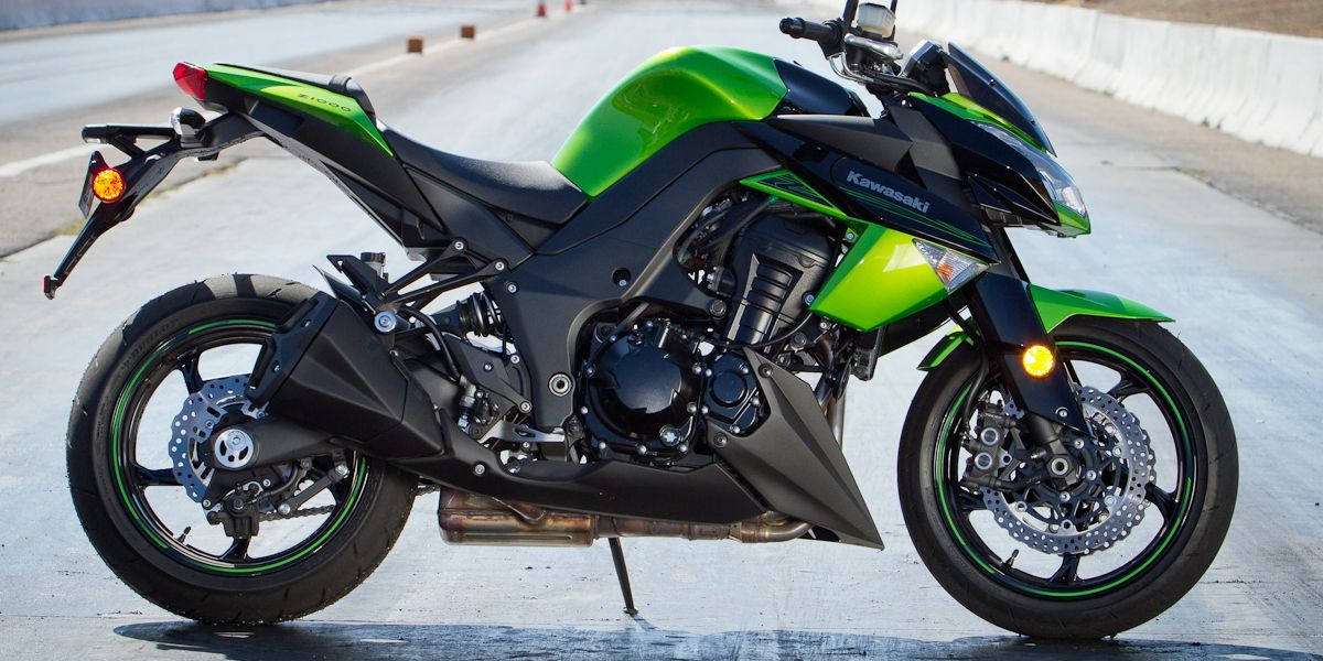 2011 Kawasaki Z1000 Motorcycle Buyer S Guide On Countersteer