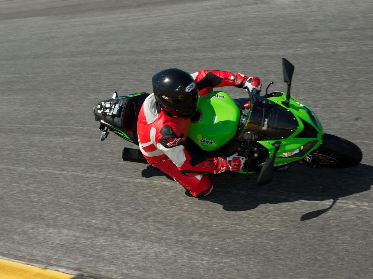 2013 Kawasaki Ninja ZX-6R Supersport Comparison
