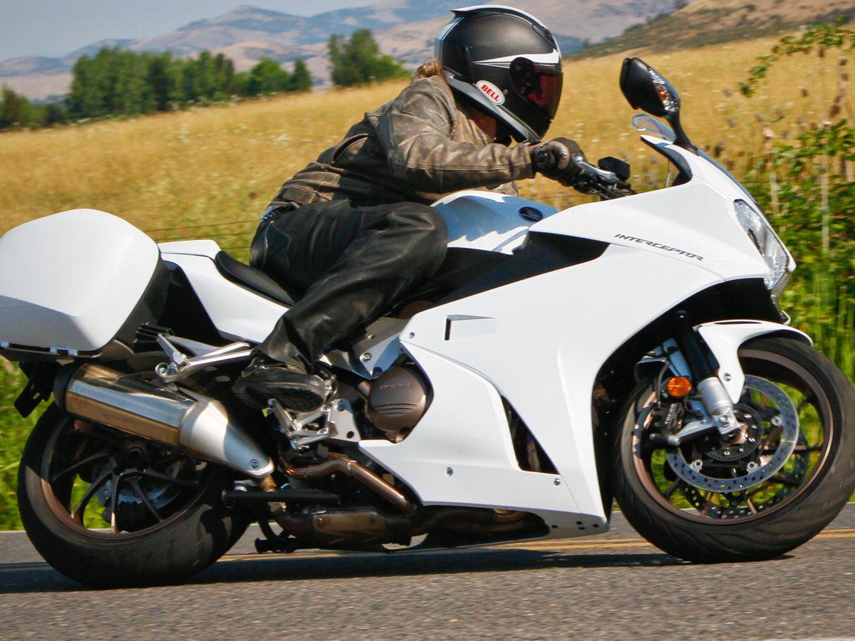 2014 Honda Vfr800f Interceptor Motorcycle Buyers Guide On