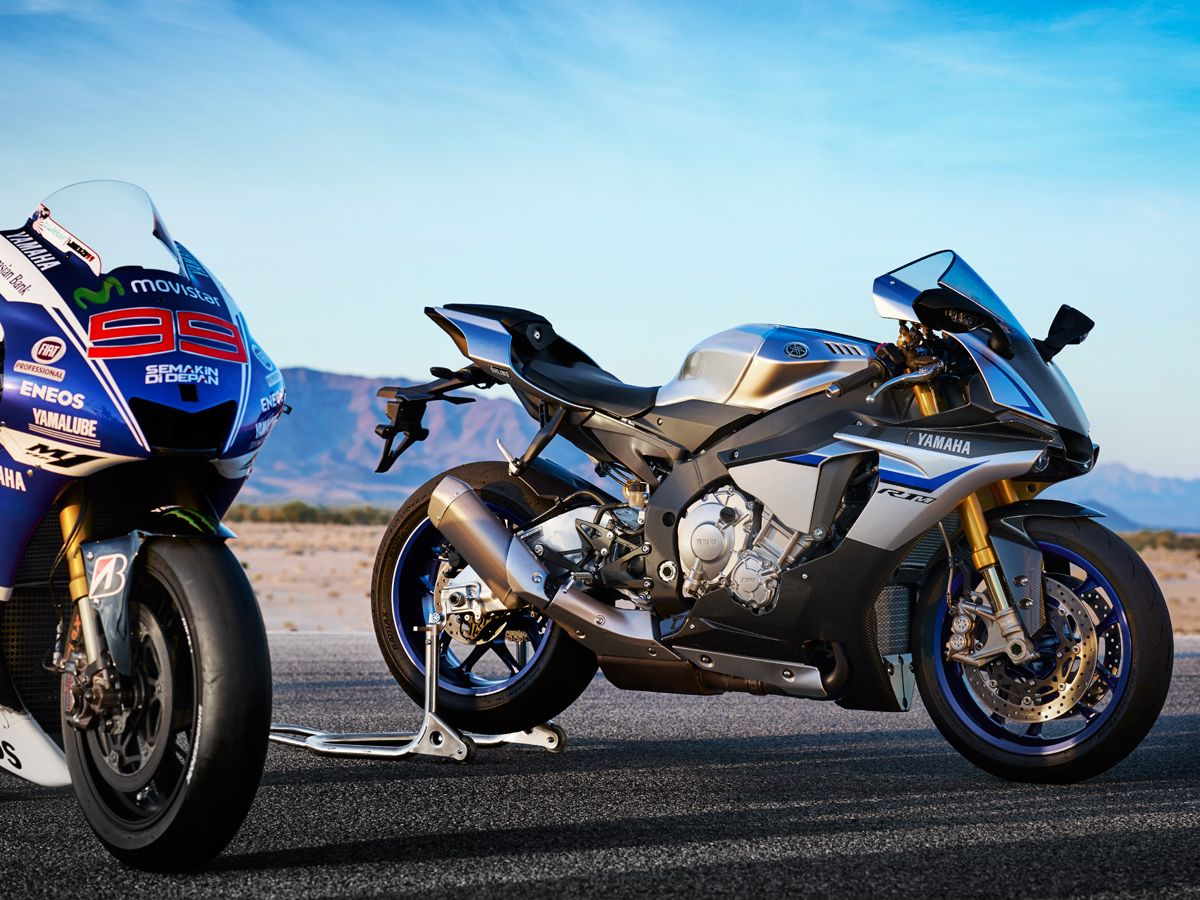 2015 Yamaha YZF-R1 | R1M First Ride