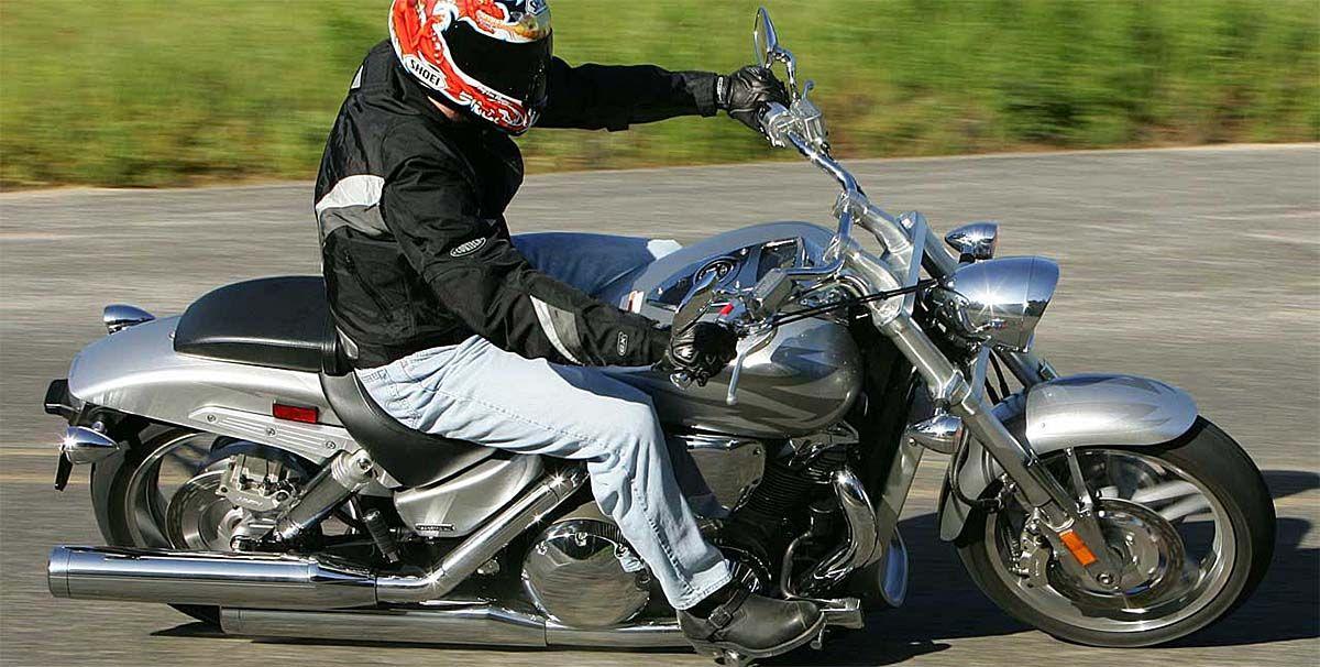 2005 Honda VTX 1800 Comparo