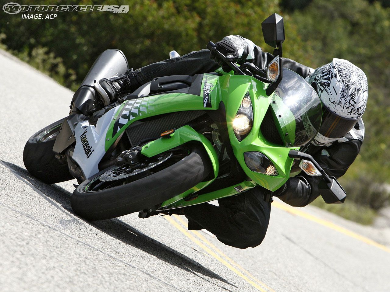 2010 Kawasaki ZX-10R Comparison Street on Countersteer