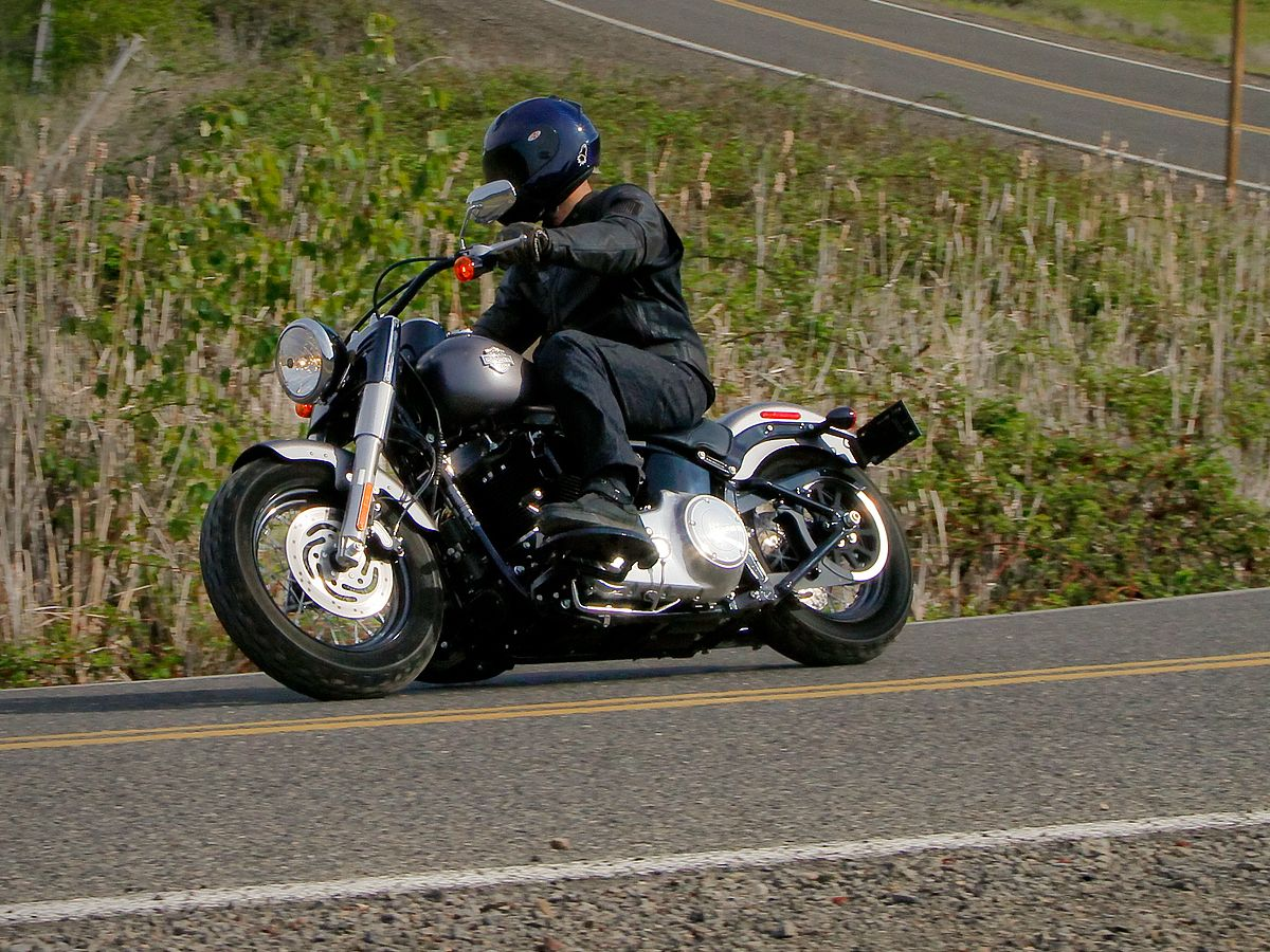 2014 Harley-Davidson Softail Slim Comparison