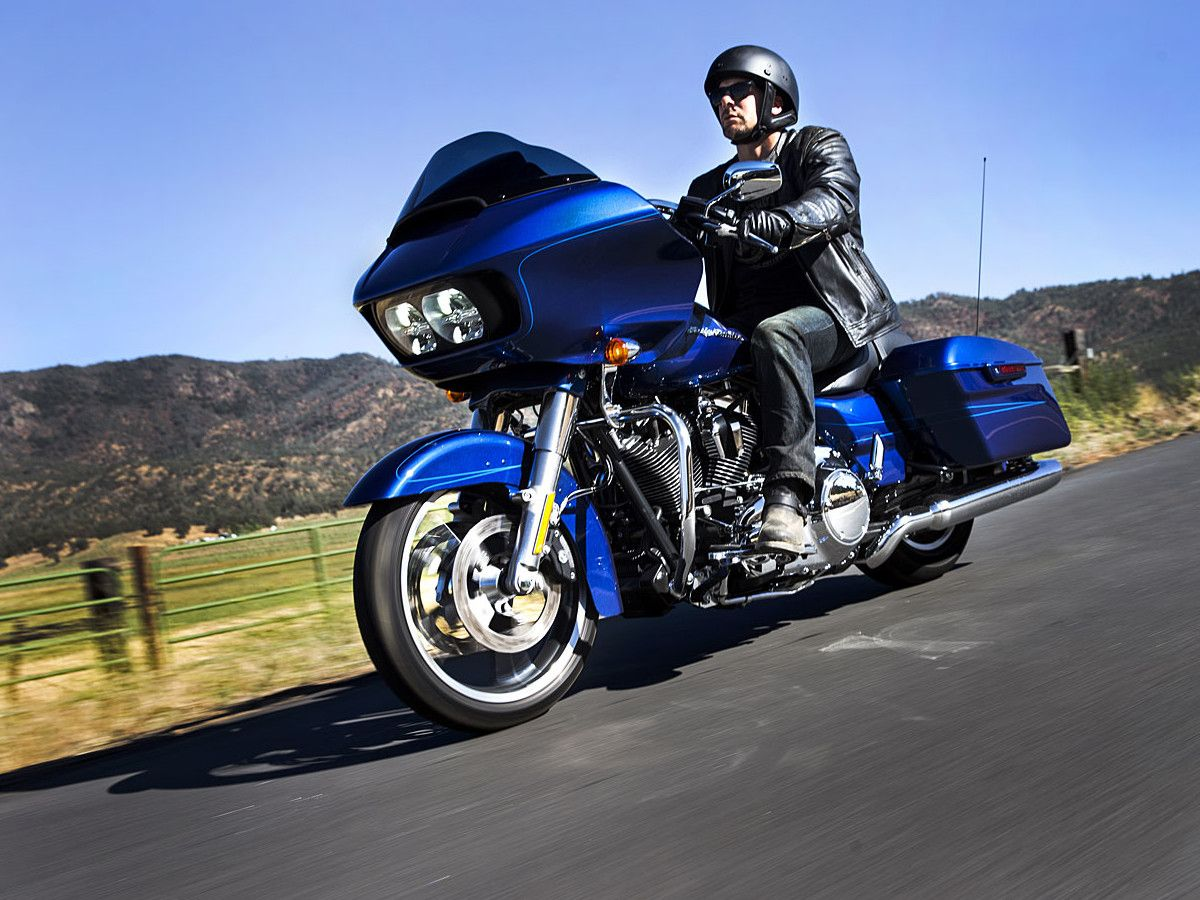 2015 Harley-Davidson Road Glide First Look