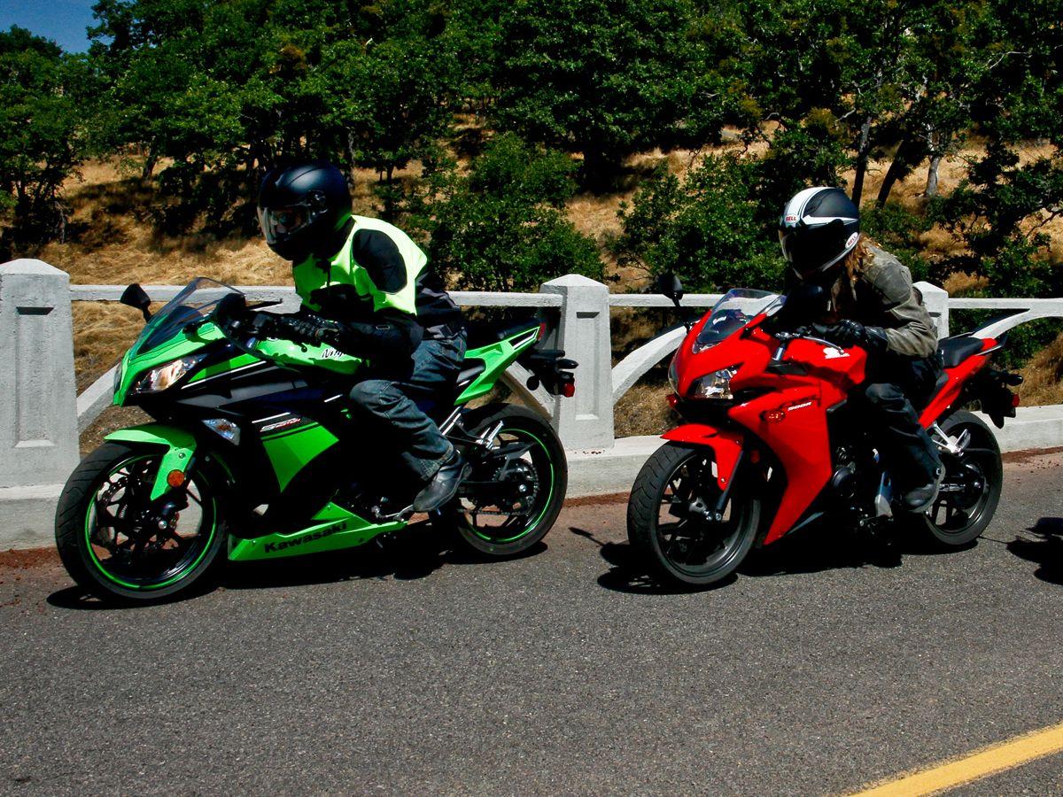 2013 Kawasaki Ninja 300 vs Honda CBR500R