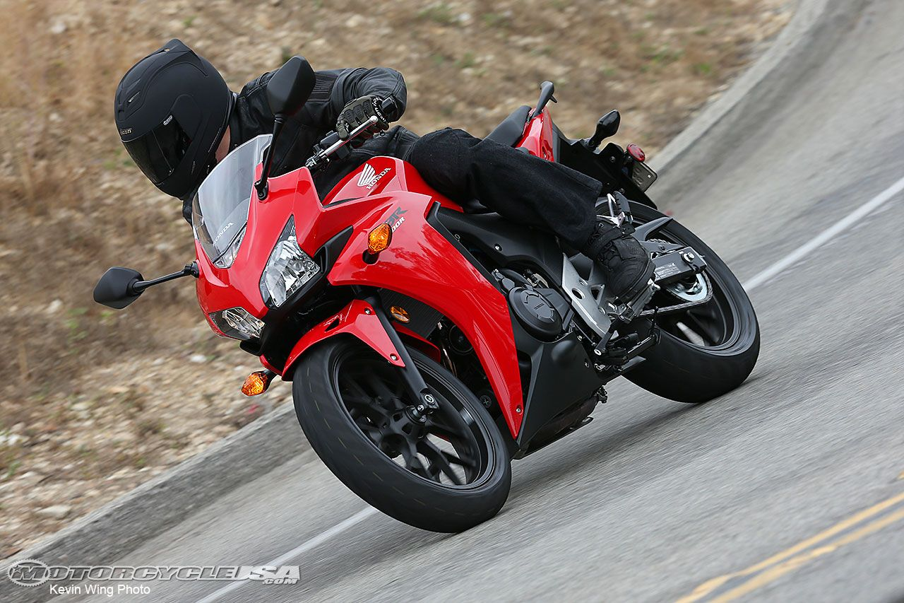 Review: 2013 Honda CBR500R Motorcycle on Countersteer