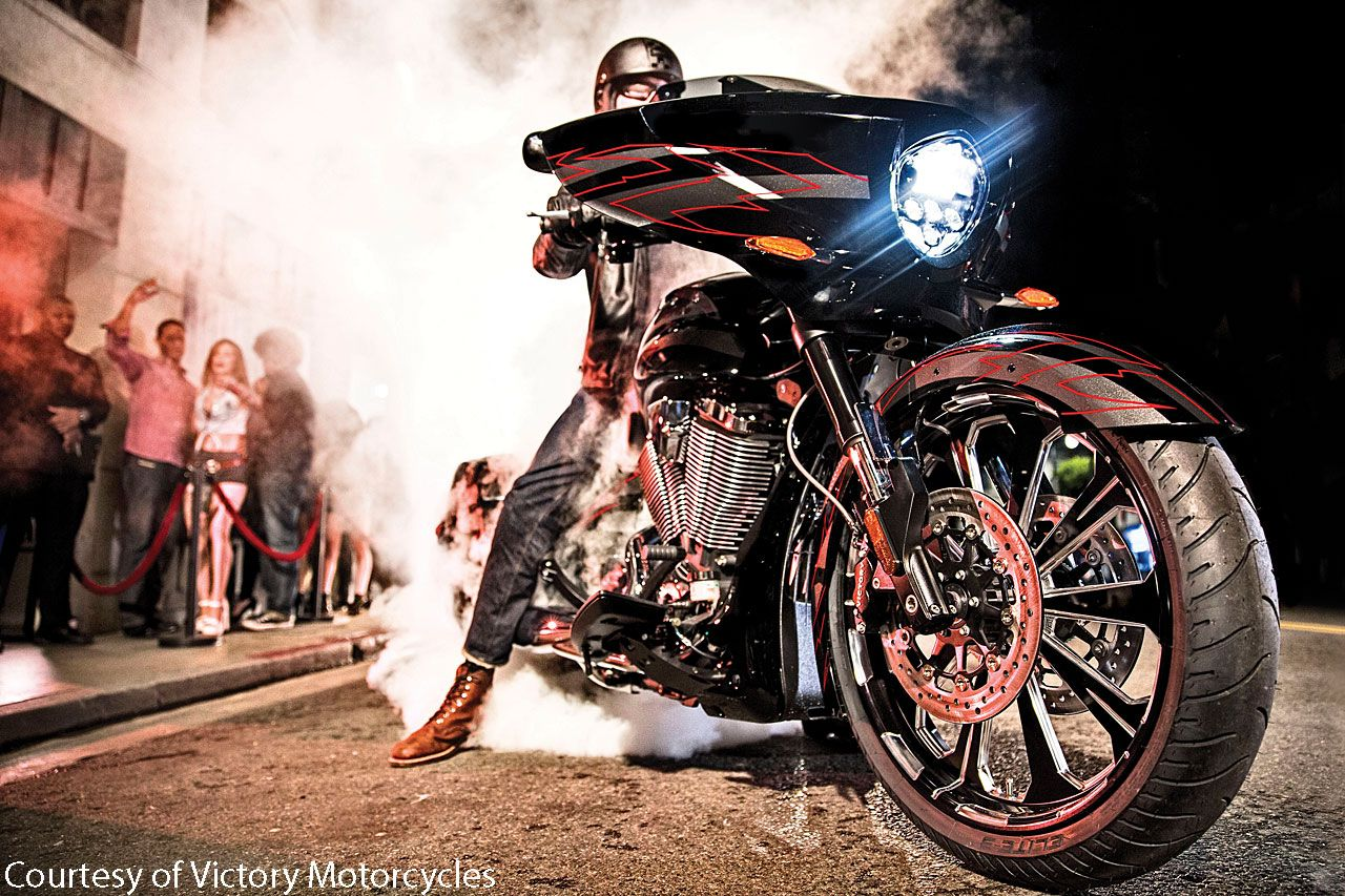 2015 Victory Magnum X-1 First Look