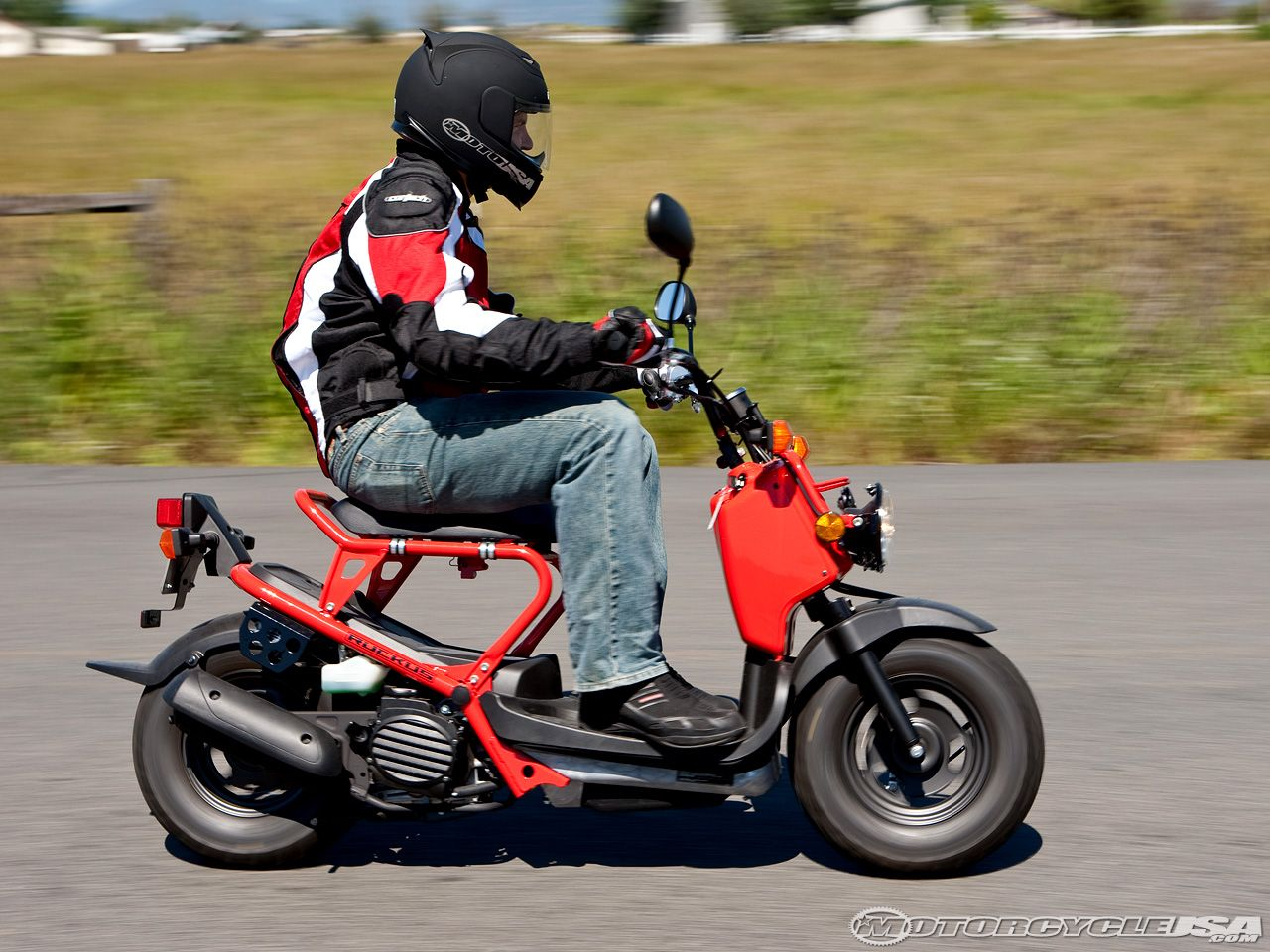 2009 Honda Ruckus Scooter Review on Countersteer