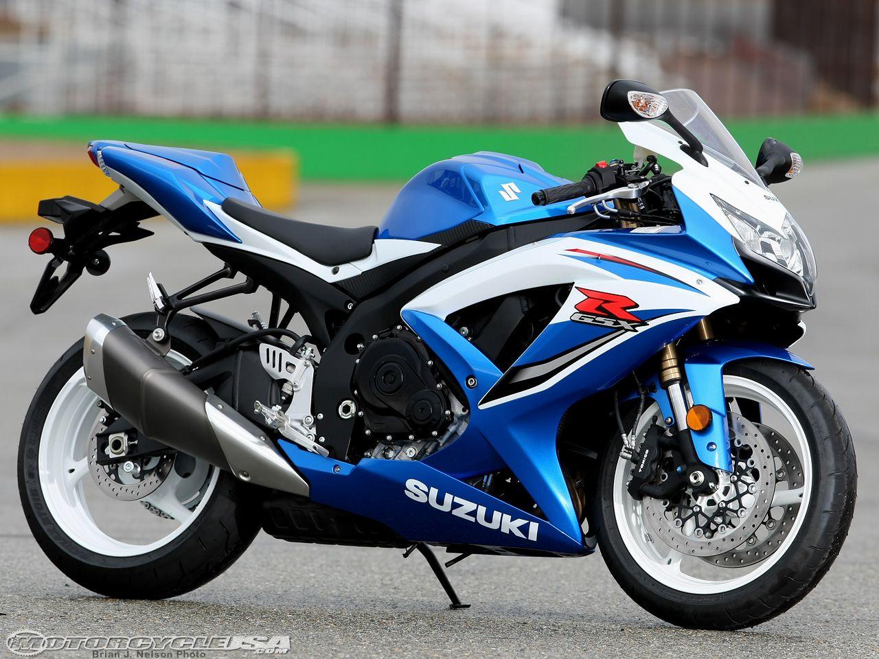 2009 Suzuki GSX-R600 Comparison on Countersteer