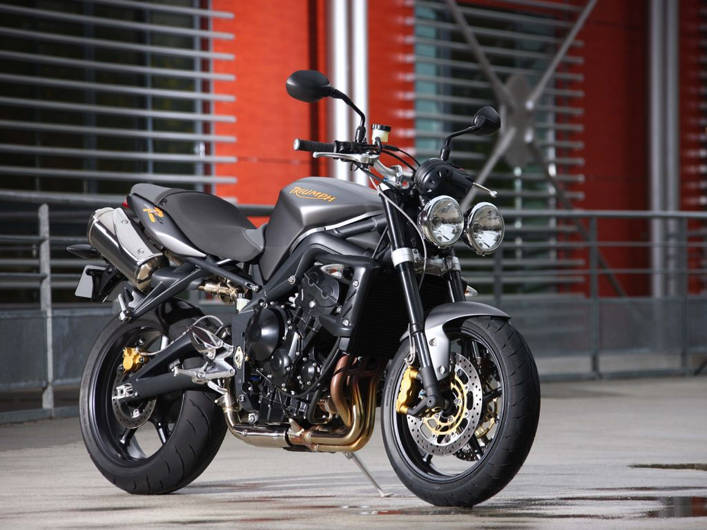 2009 Triumph Street Triple R Review