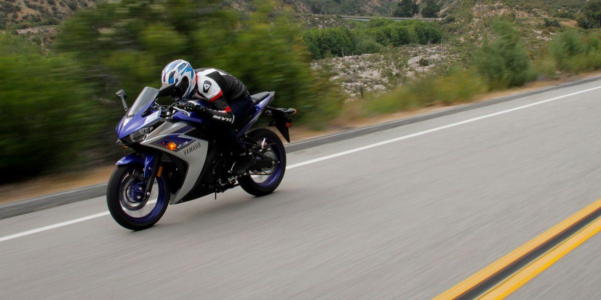 2015 Yamaha R3 Comparison