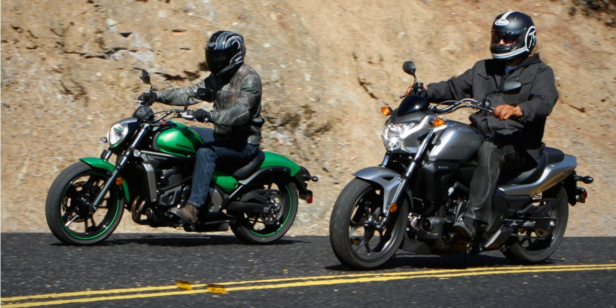 2015 Honda CTX700N vs Kawasaki Vulcan S Comparison Review