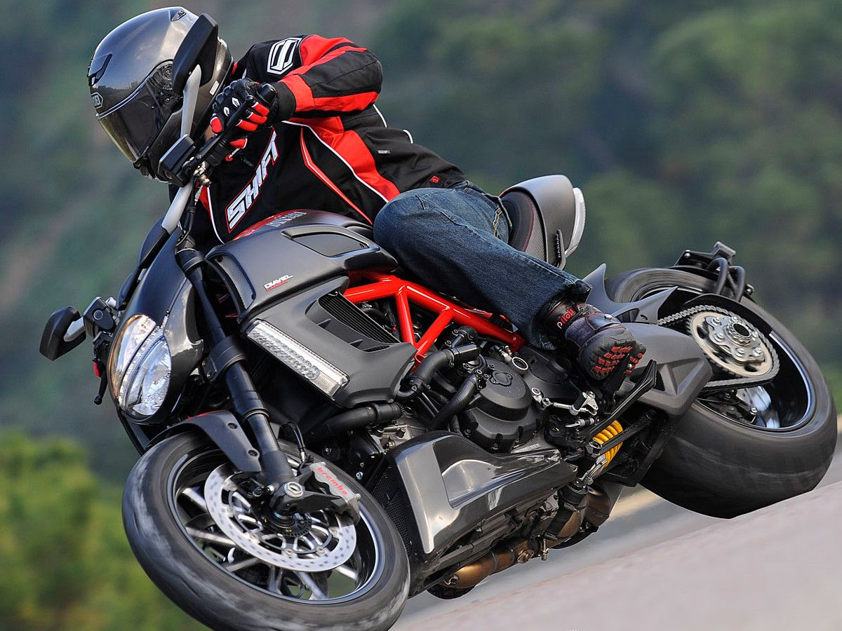 2011 Ducati Diavel First Ride