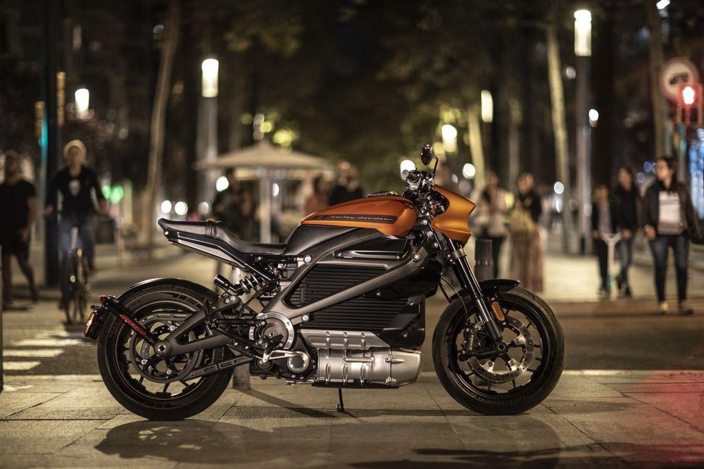 Harley LiveWire vs Zero SR/F Electric Motorcycle Spec