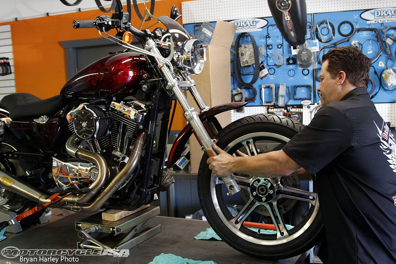 Sportster Project: Harley Slotted 6-Spoke Wheels/Metzeler ME888 Install