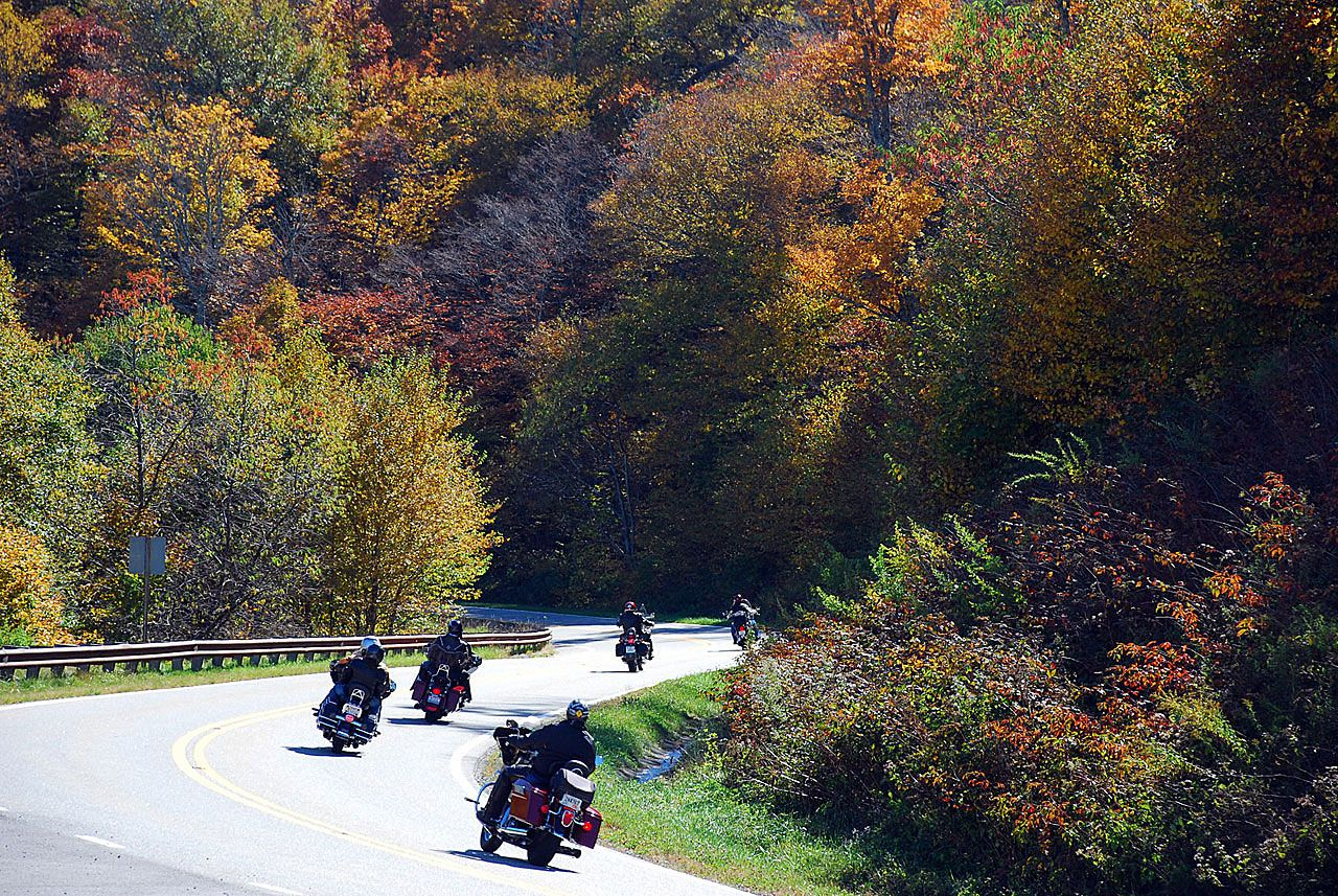 Best Motorcycle Gear for Fall Rides
