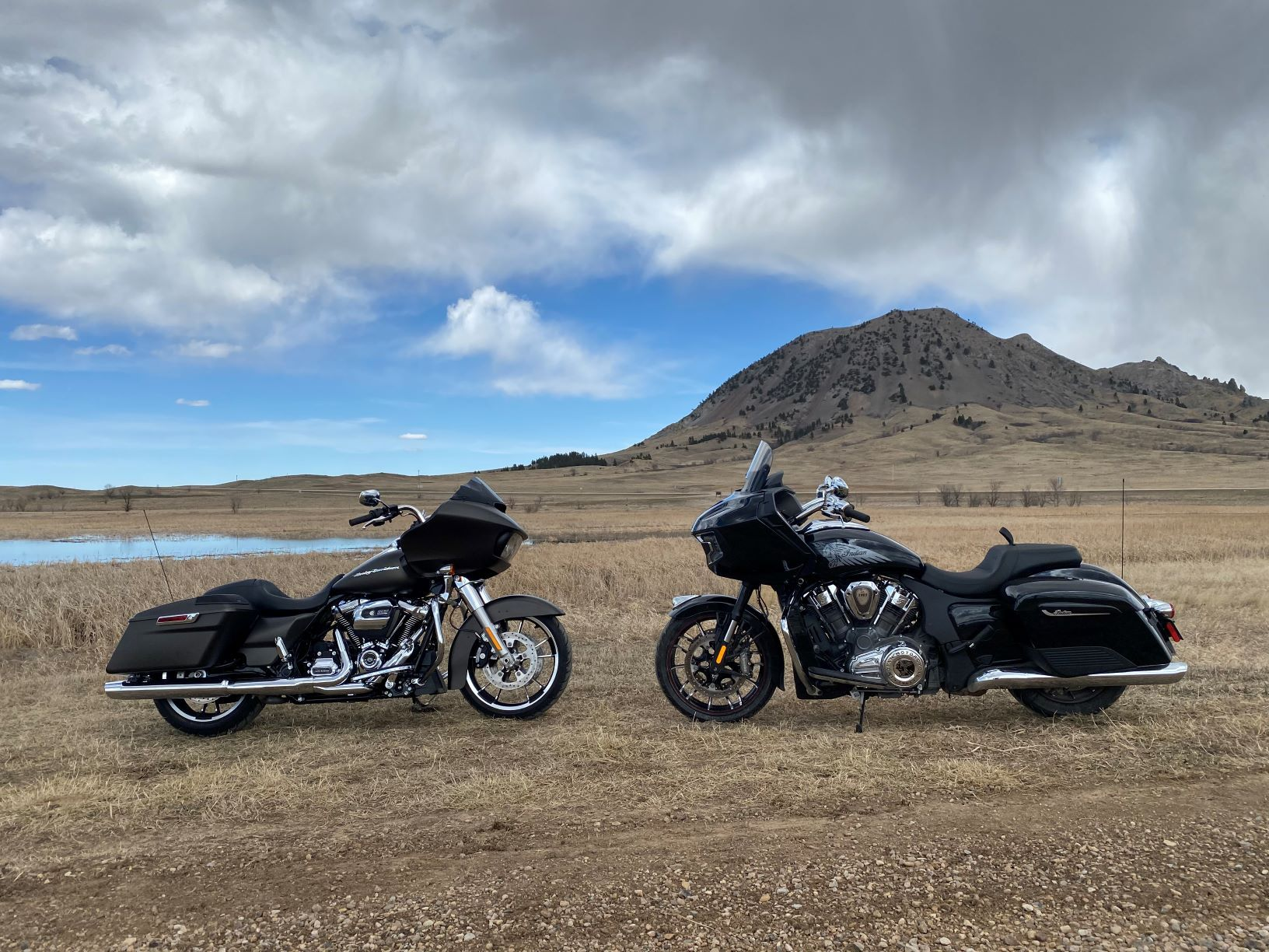 2020 Indian Challenger vs 2020 Road Glide : Is There a New Performance Bagger Sheriff in Town?