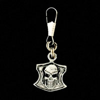 Skull Shield Zipper Pull