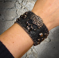 That's A Wrap Pewter Rhinestone Skull Leather Cuff