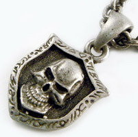 AMiGAZ Small Hack Link Necklace w/Skull Shield