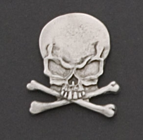 Hot Leathers Skull and Crossbones Hand Carved Pewter Pin