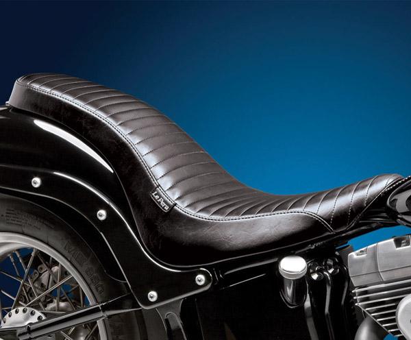 Le Pera Cobra Pleated Seat
