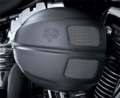 Vance & Hines VO2 Intake Kit with Black Drak Cover