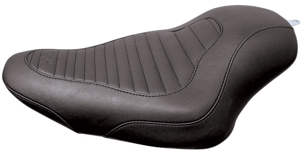 Mustang Tripper Tuck and Roll Solo Seat