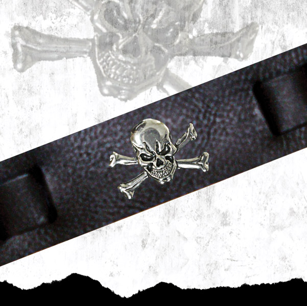 That's A Wrap Skull & Crossbones Conch Leather Cuff