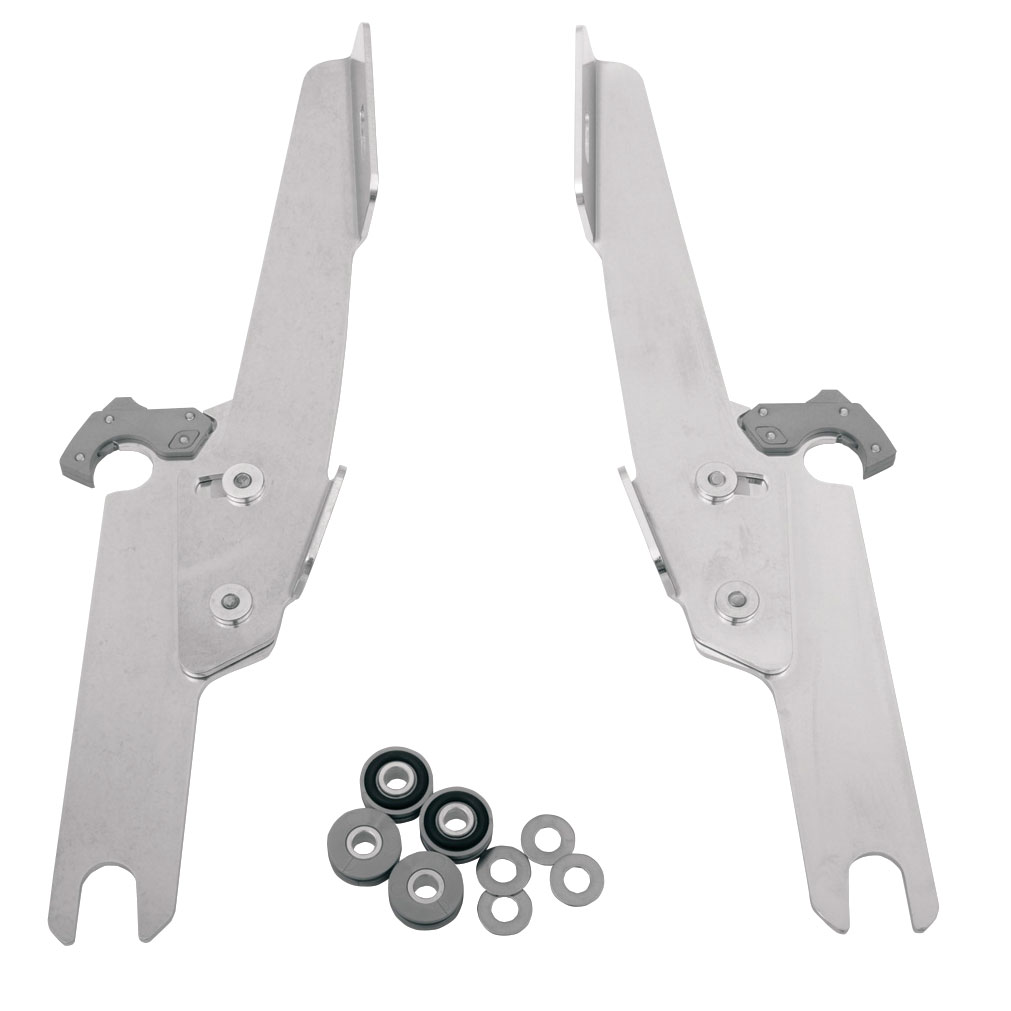 Memphis Shades Batwing Fairing and Fats/Slims Polished Trigger-Lock Mount Kit