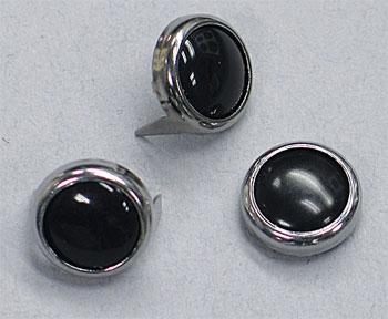 Mustang Black Pearl Center Chrome Studs