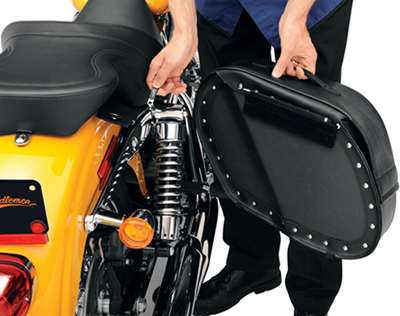 Saddlemen Desperado Teardrop Saddlebags with Shock Cutaway