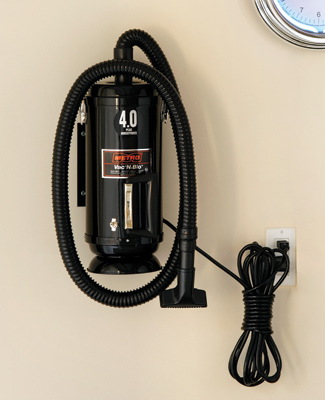 Vac 'N' Blo Portable Vacuum Cleaner and Blower